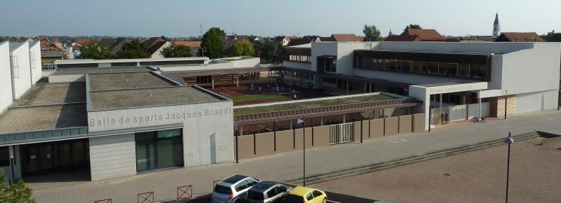 La salle de sports Jacques Brandt et le groupe scolaire Im Leh